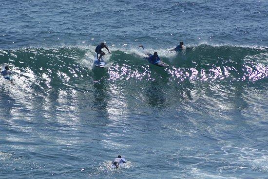 surfing-padang-padang